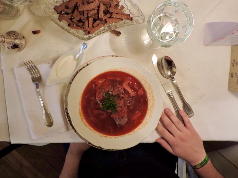 Pyshki-mangiare-a-san-pietroburgo-Zuppa