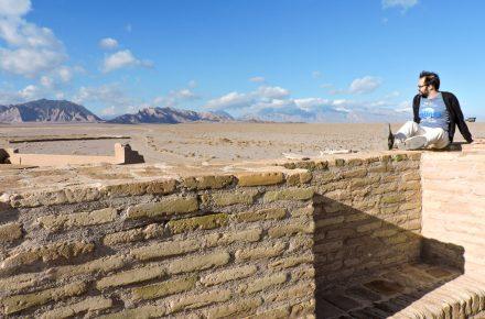 urbo e il deserto dal tetto del caravanserai Zein-o-Din