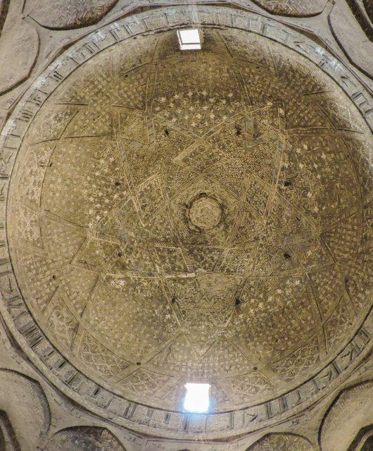 L' ocra delle geometrie: la cupola della moschea di Masjed-e Jameh a Isfahan