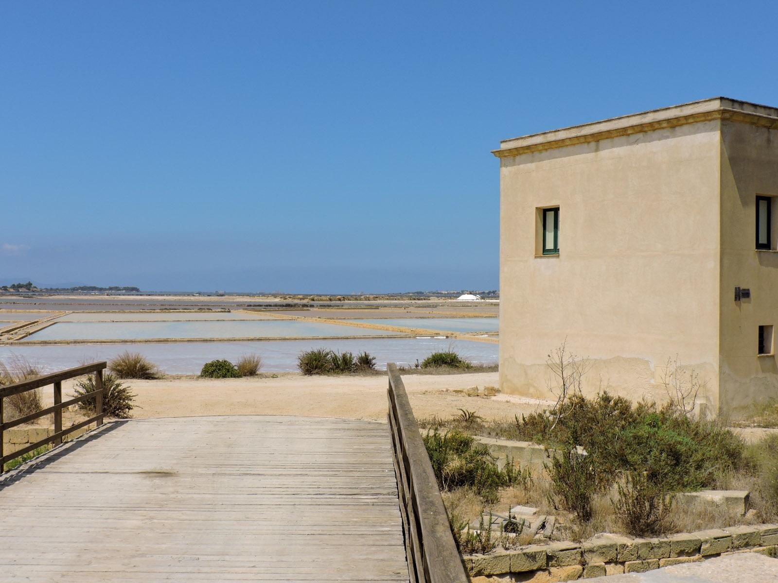 ponte sull'isola di Mozia in Sicilia