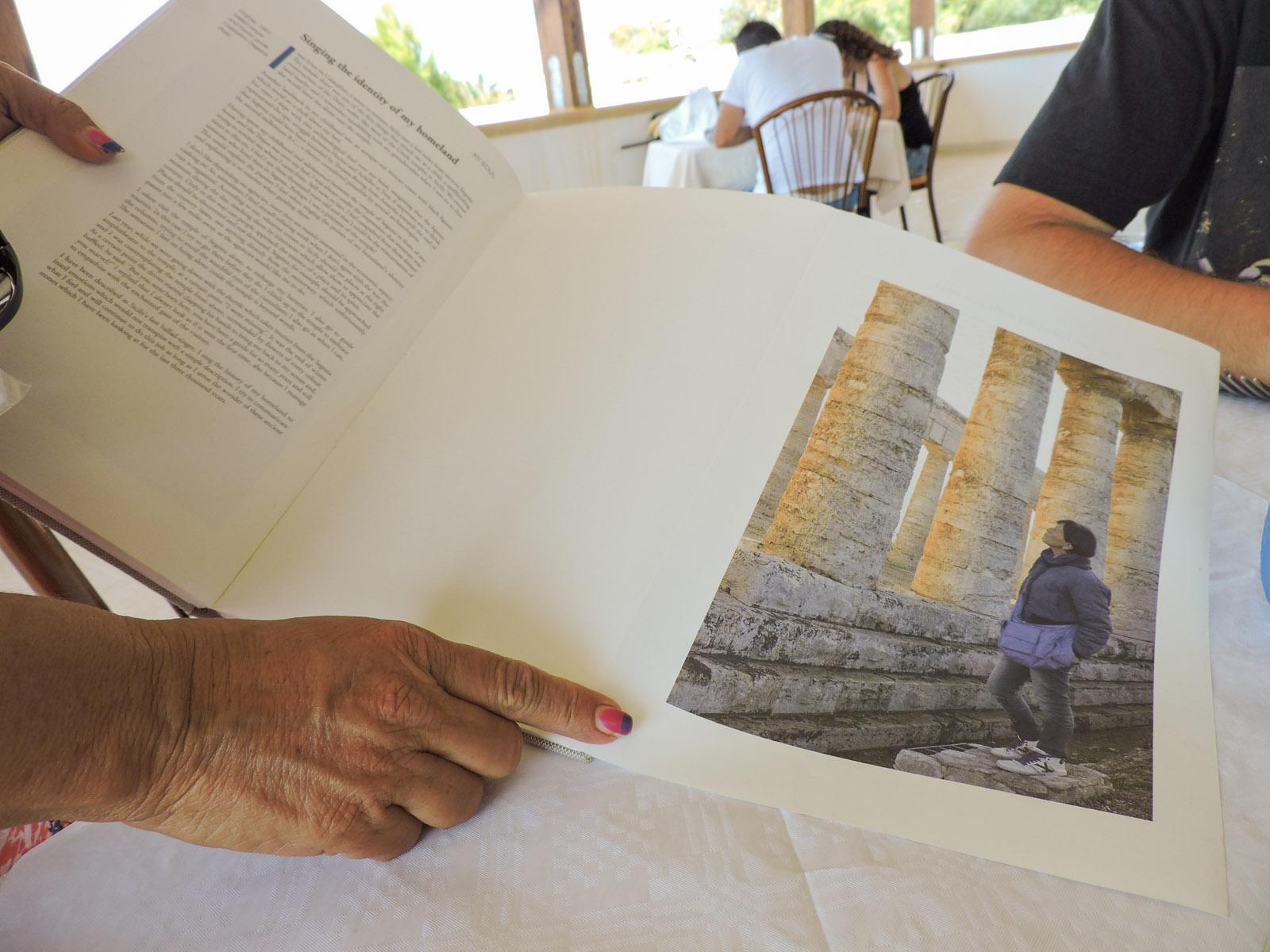 Il libro di Bonetti in cui viene citata Virginia Aloisi come esempio di rapporto intimo e selvaggio con la sua terra, la Sicilia