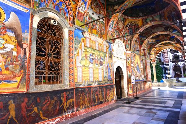 Gli affreschi del monastero di Rila in Bulgaria