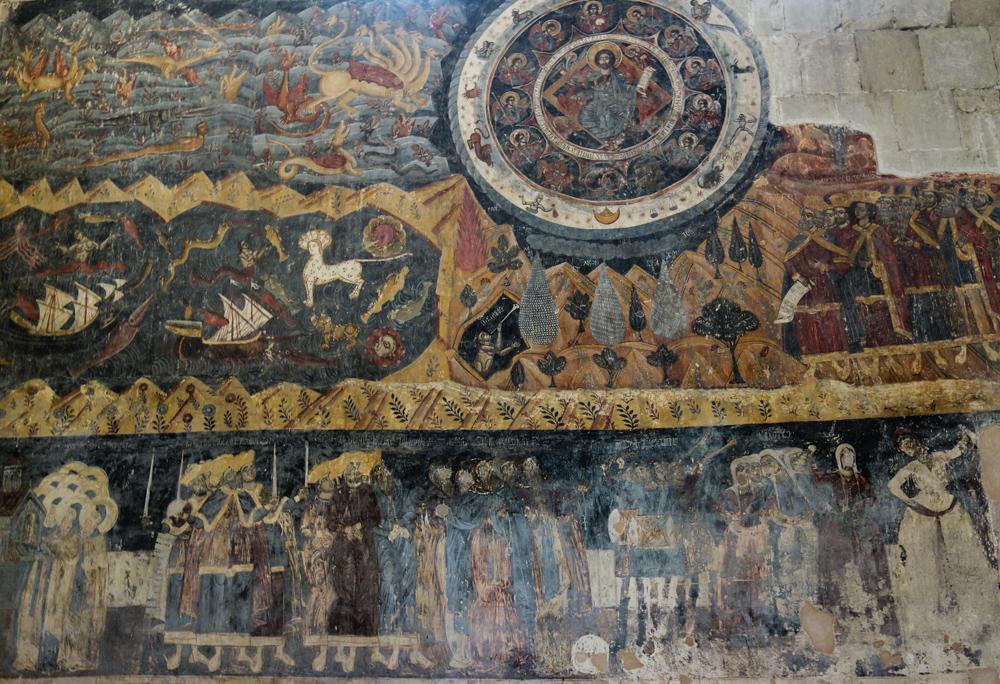 Affresco all'interno della cattedrale di Svetitskhoveli dove i volti sono stati cancellati