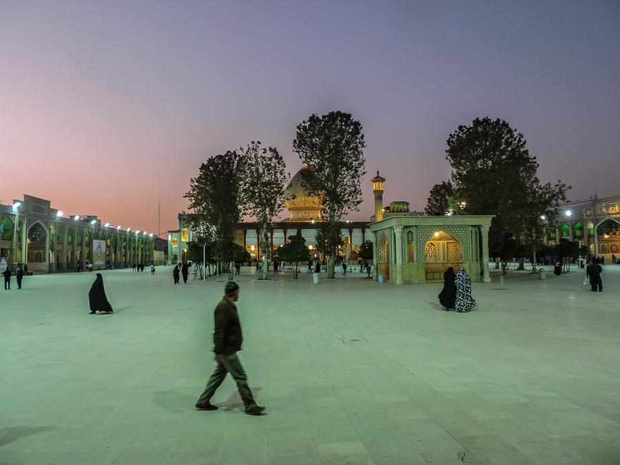 Shah-e-Cheragh al tramonto imperdibile tappa di un tour a Shiraz