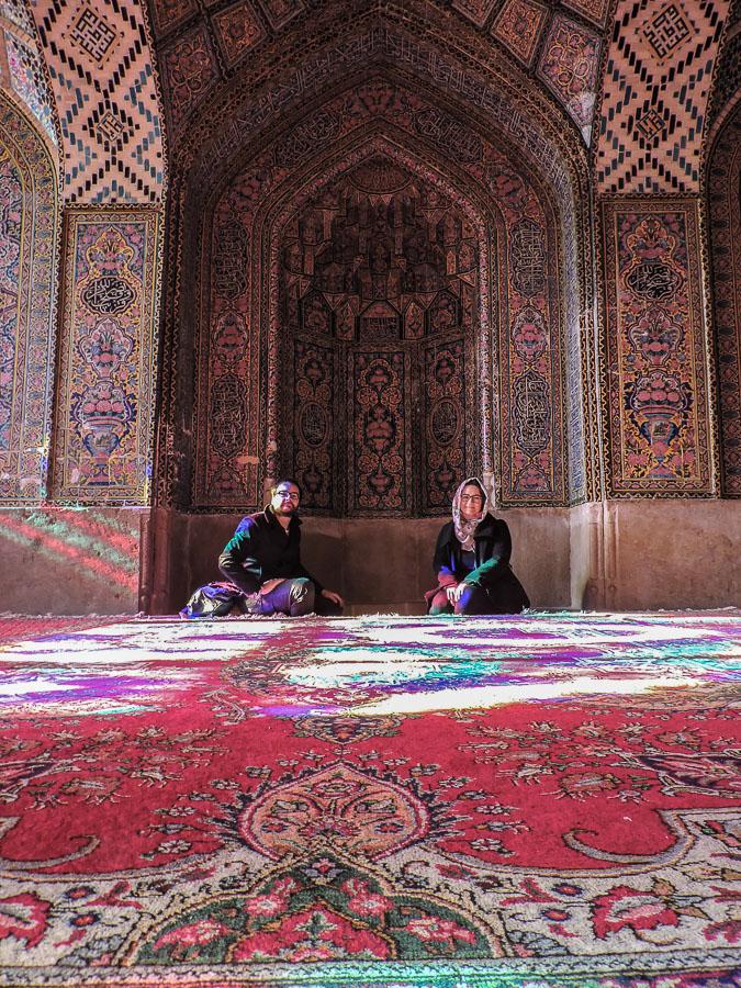 Come molti altri turisti non abbiamo potuto fare a meno di scattare un autoritratto all'interno della Nasir al-Molk Mosque