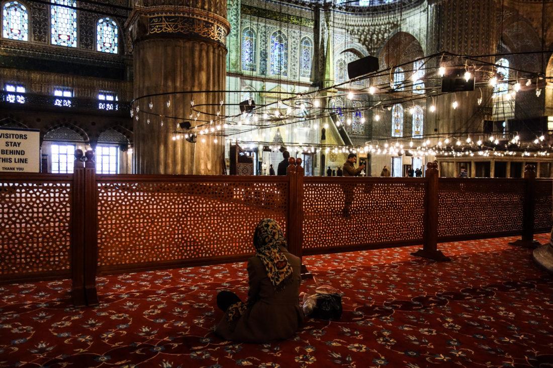 Interno della Moschea Blu di Istanbul