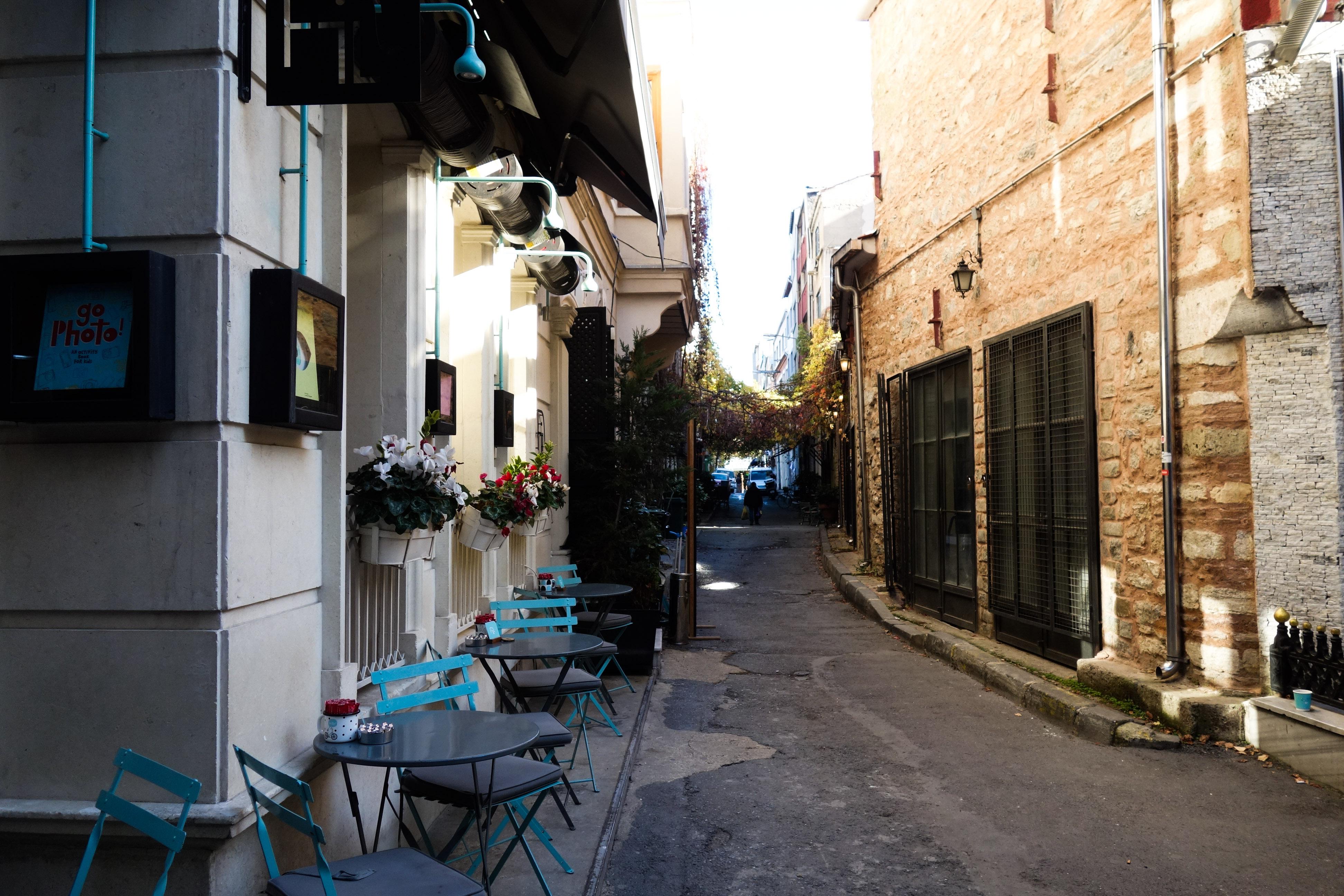 Le stradine ricche di ristorantini e caffè a Karaköy