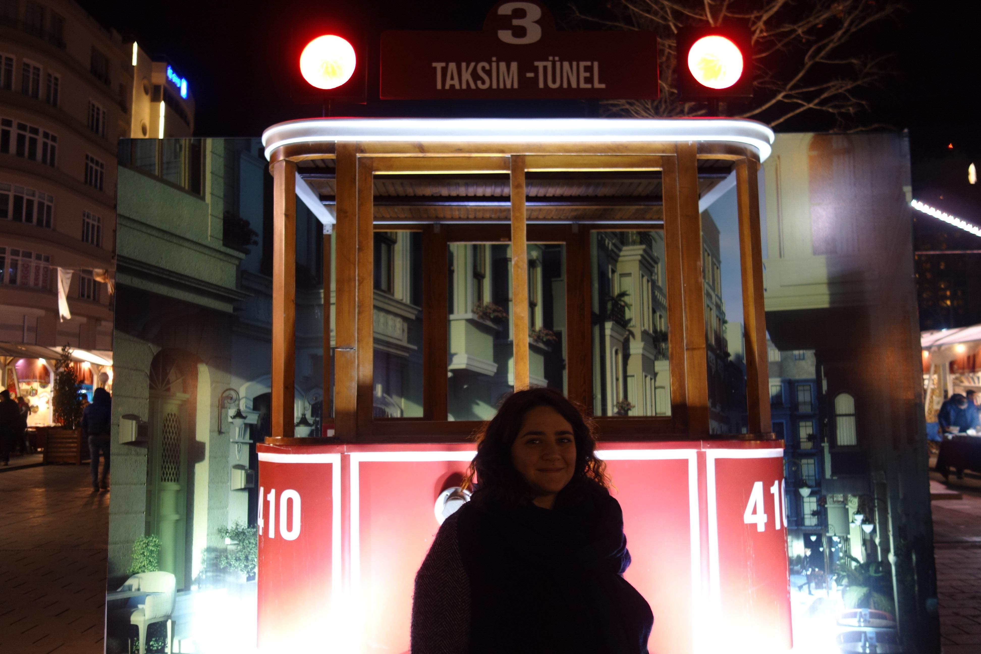 Il tram nostalgico a Piazza Taksim