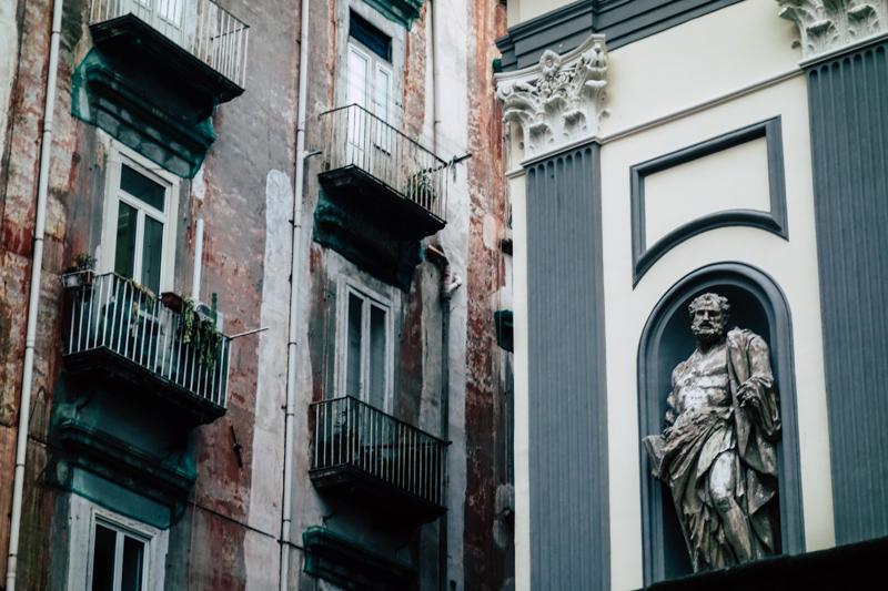 I contrasti di Napoli