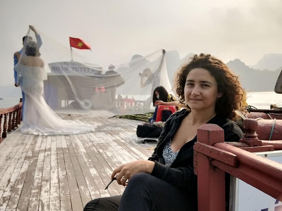 in barca verso l'isola di Quan Lan nella baia di Bai Tu Long