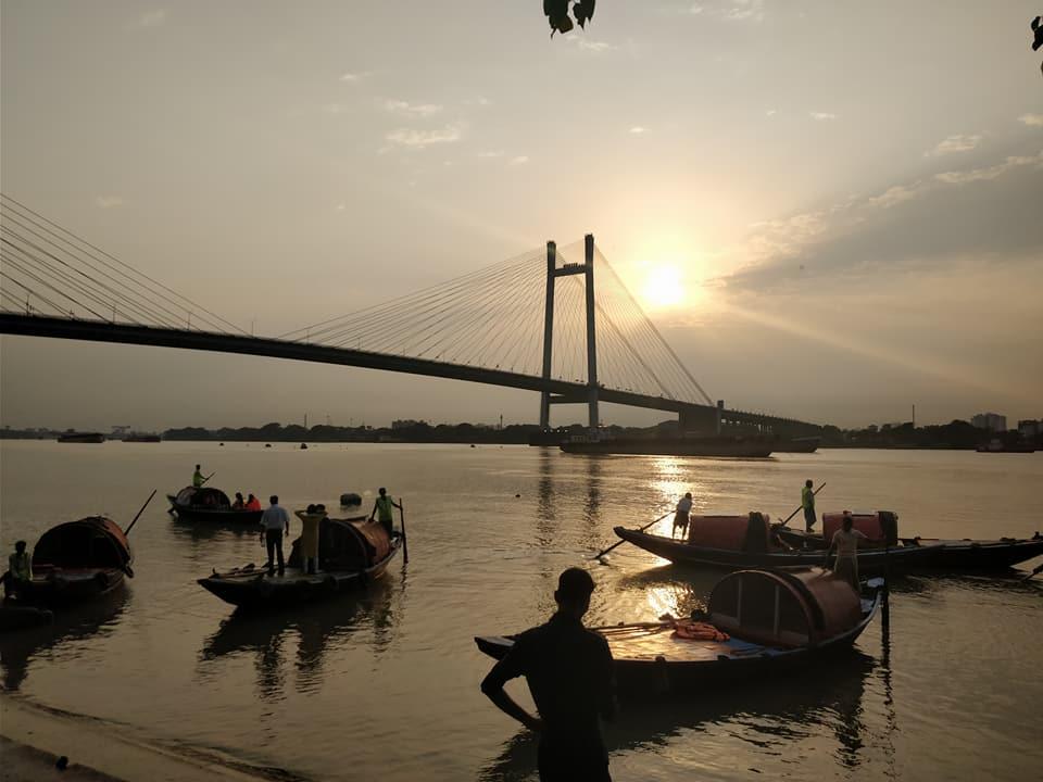 ramonto da Princep Ghat a Calcutta in India