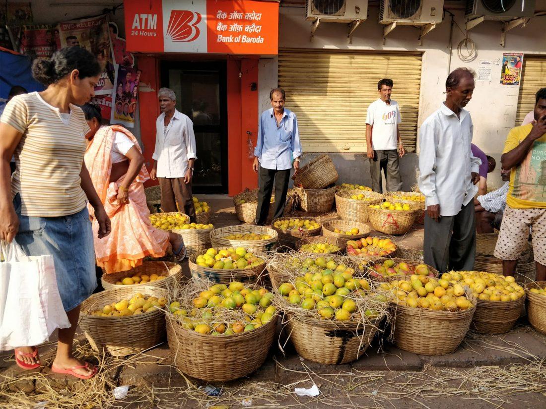 Vendita di manghi a Margao, Goa in India