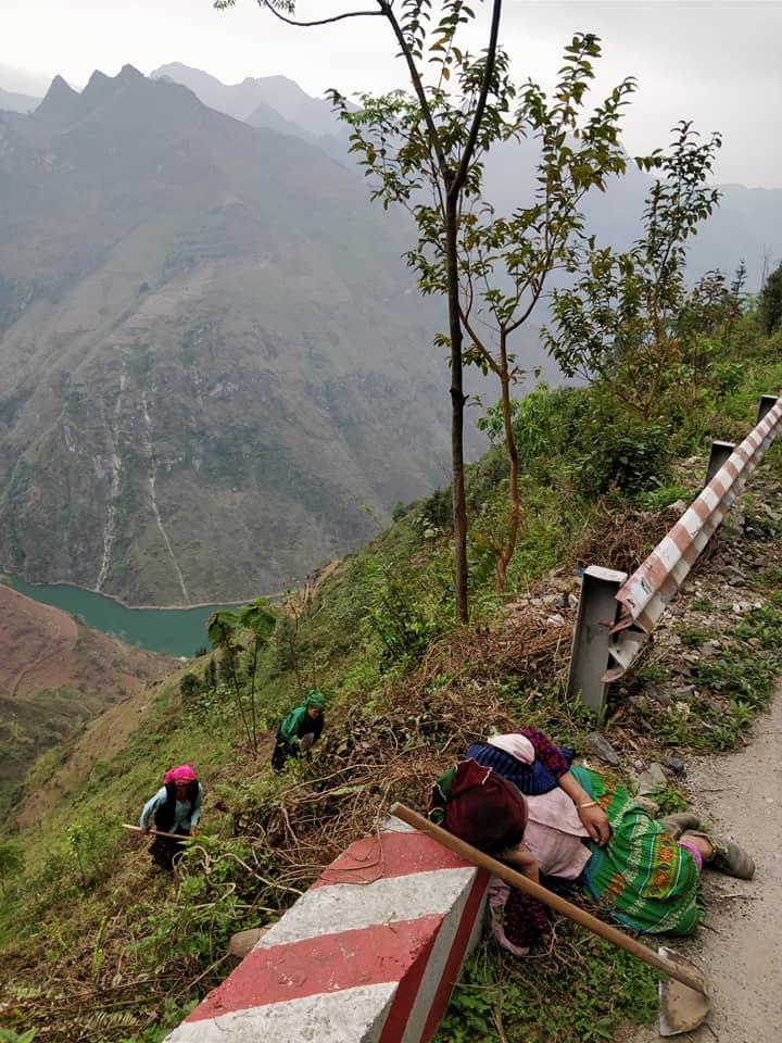 Incredibile come queste etnie lavorino la terra con tenacia le minoranze etniche di Ha Giang