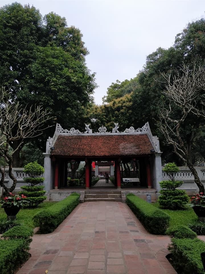 Al tempio della Letteratura di Hanoi