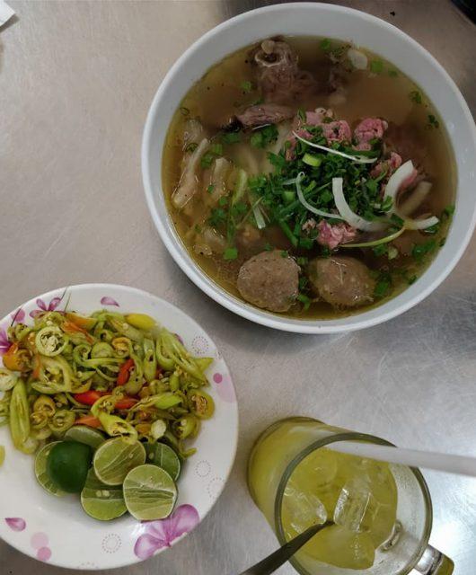 delizioso pho mangiato a Ho Chi Minh Saigon)