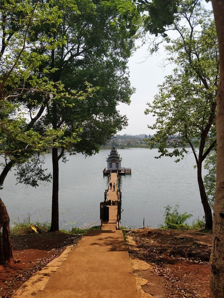templi e laghi nei dintorni di Hsipaw