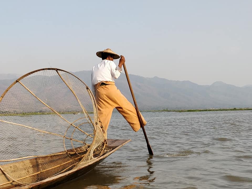 Tipici pescatori su Inle Lake