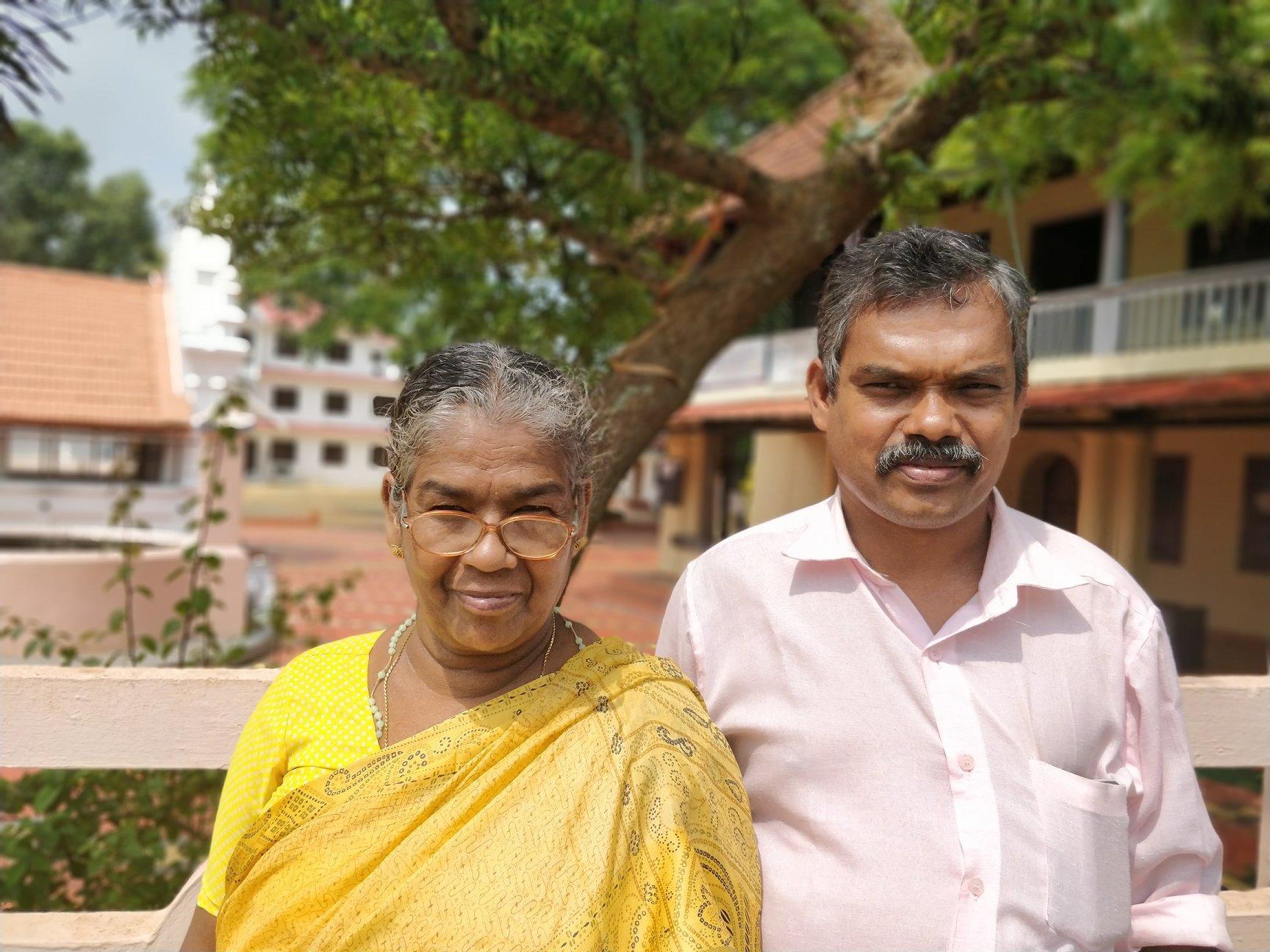Jose e sua mamma in Kerala