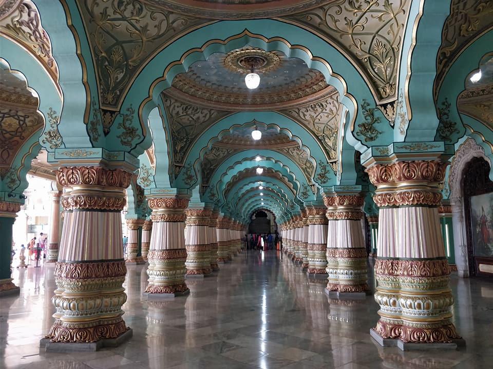 Si, il Mysore Palace era stupendo e da solo varrebbe la fermata in città
