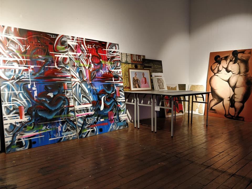 Myanm/Art, galleria di arte contemporanea con giovani artisti birmani in esposizione