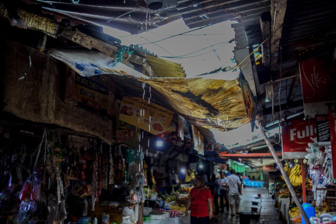 buchi di lamiera nel lapaz market