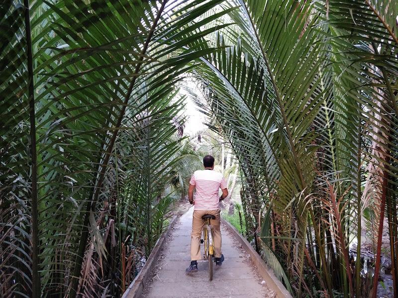 Ben Tre e le sue palme da scoprire a bordo di una bici