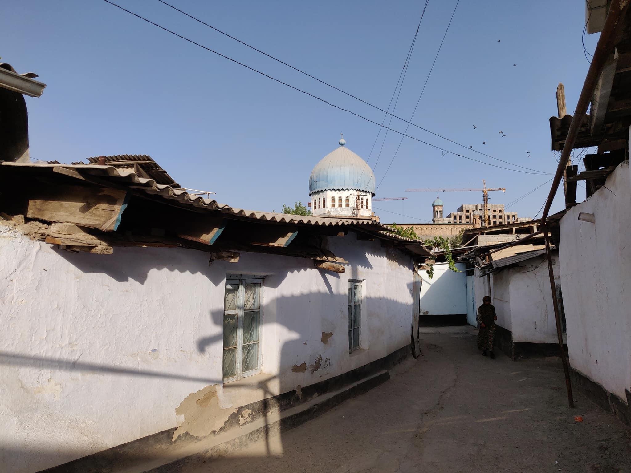 L'anima storica di Dushanbe si nasconde dietro ai palazzoni nuovi (che temiamo avrà vita breve)