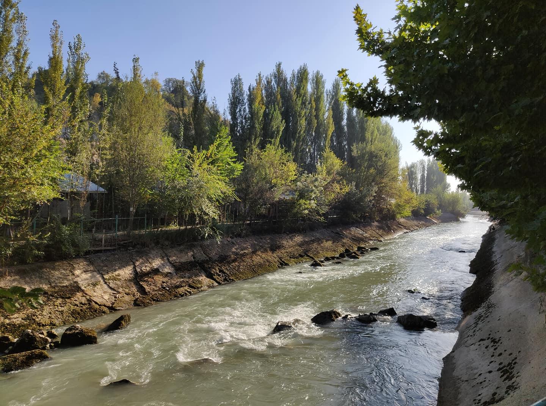 Il Fergana canal che da uzbekistan porta in Kyrgyzstan