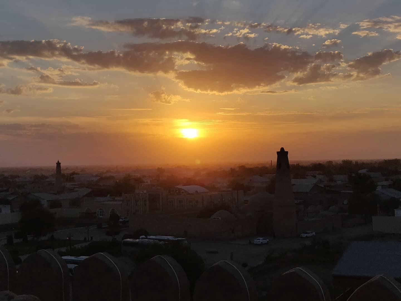 Tramonto su Khiva dal Kuhna Ark
