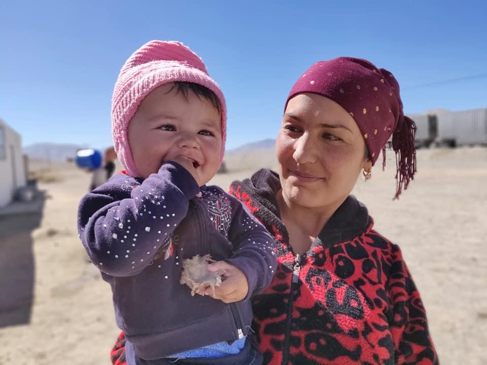 Sulla strada tra murghab e Khorog in mezzo al Pamir in Tajikistan