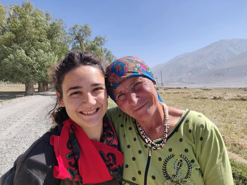 signora incontrata nella valle del Wakhan al confine con l'Afghanistan