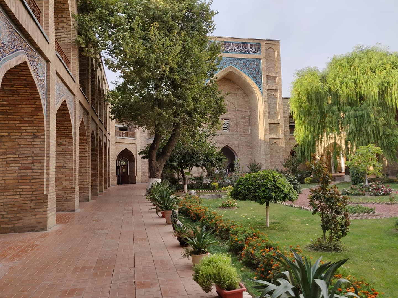 Kukeldash Madrassa di Tashkent, ancora utilizzata oggigiorno