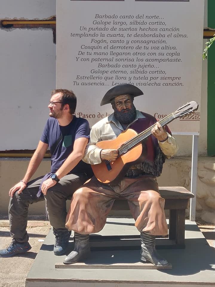 monumento a Jorge Cafrune a Cosquin, vicino Cordoba