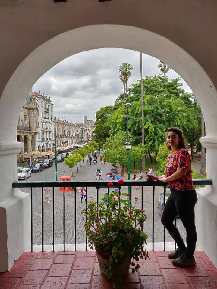la piazza centrale di salta di ispirazione coloniale