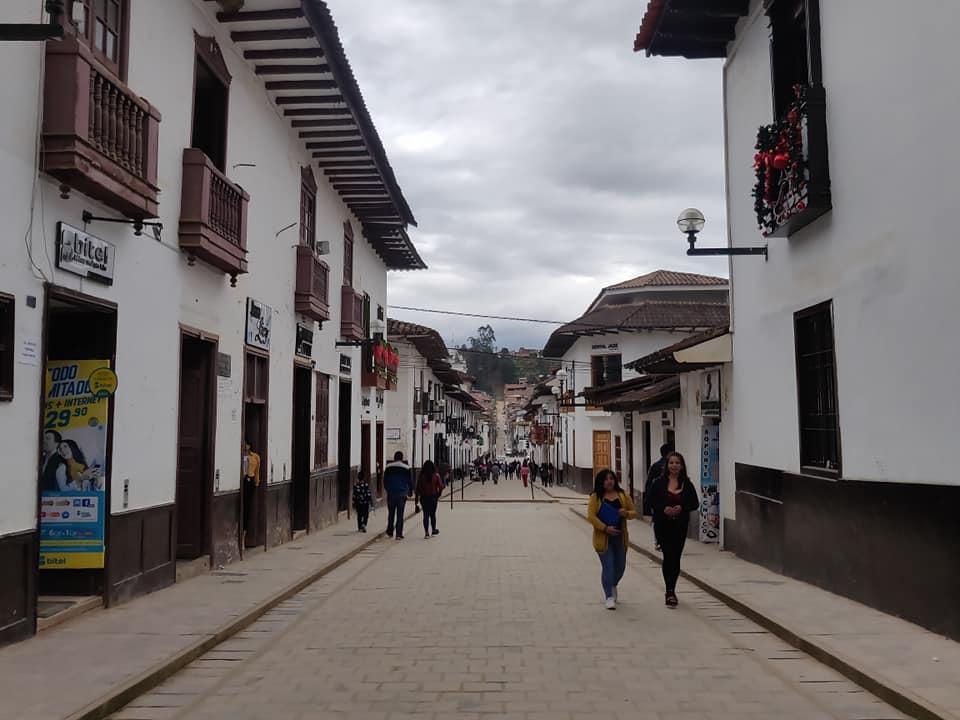 La via principale di Chachapoyas in Perù