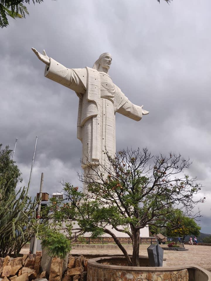 il cristo di cochabamba è il più alto al mondo, superando di poco anche quello di Rio De Janeiro