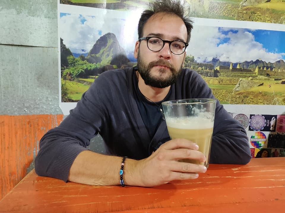 Il mezzo litro di puzzolente Chicha alcoolica