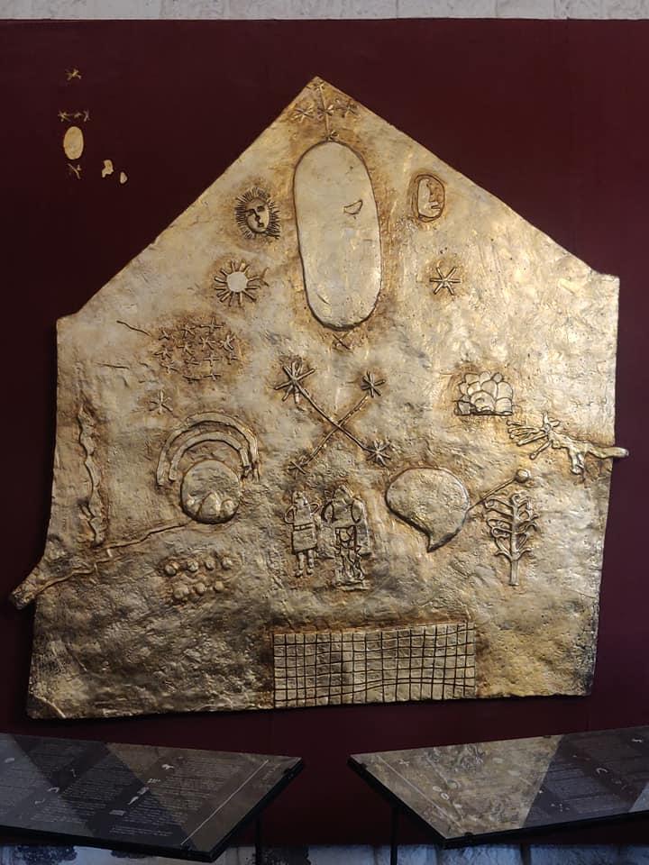 La stele del '500 che ritrae la cosmologia dei re inca