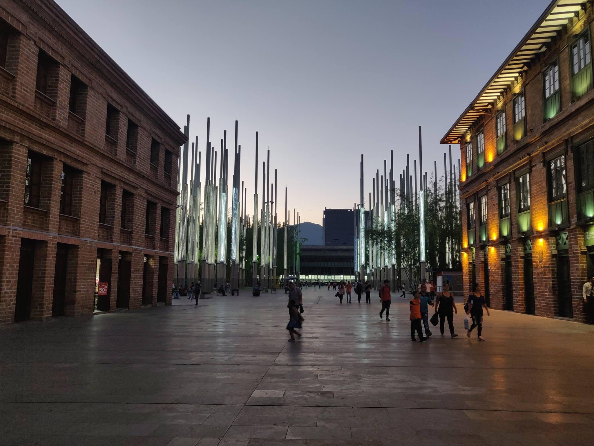 Plaza de las luces, dedicata a tutte le vittime del terrorismo e del periodo buio di Medellin