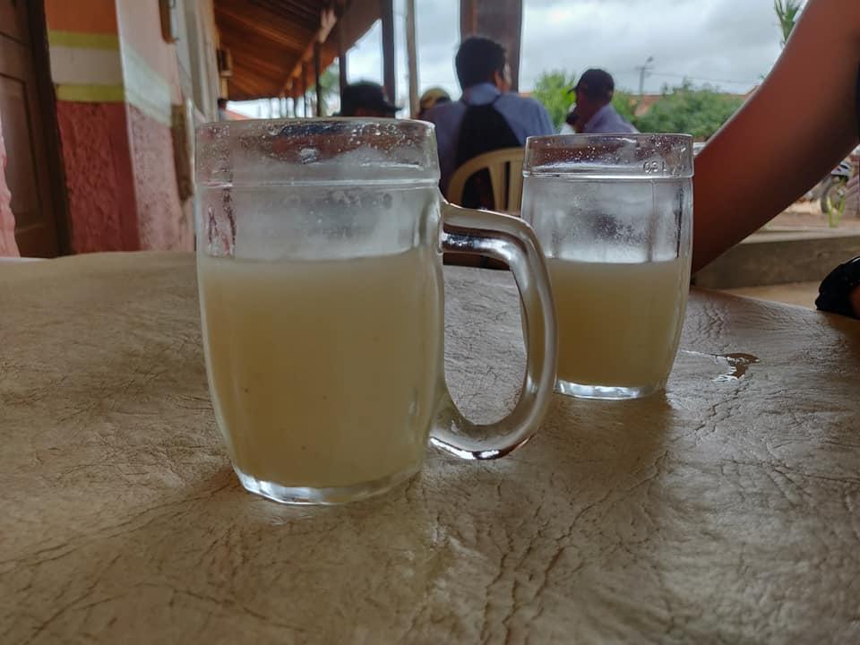 la chicha, bevanda tipica di queste zone a base di  mais e cannella