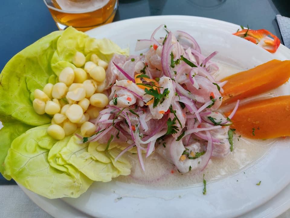 ottimo ceviche mangiato in uno dei migliori ristoranti di Pucusana, localitàù non troppo lontana da Lima in Perù