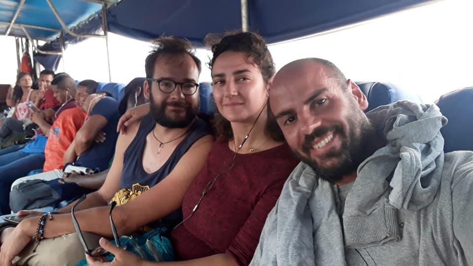 Urbo, Alle e Giuseppe a bordo dell'ultima lancia direzione El Coca in Ecuador