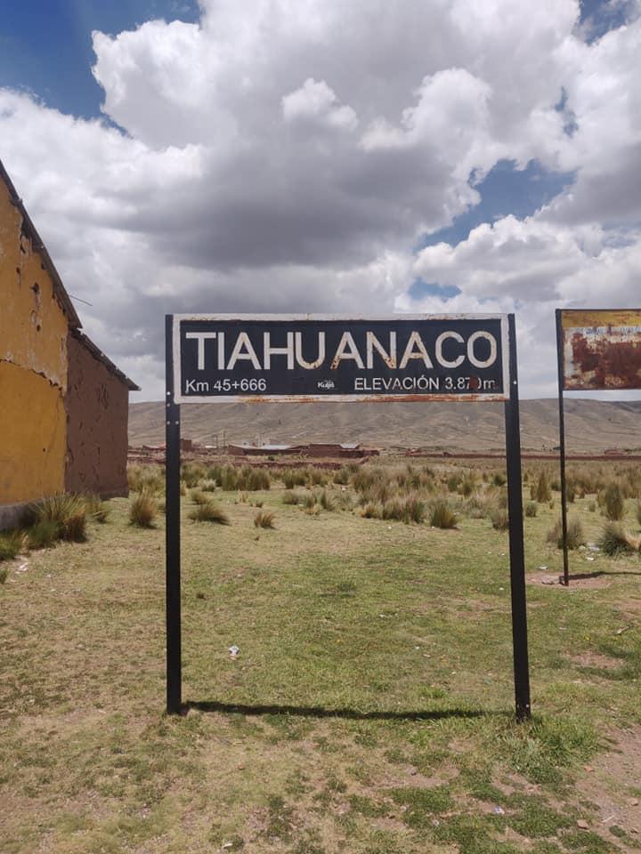Tiwanaku (o Tiahuanaco) era la capitale della cultura Tiwanaku, una serie di popolazioni pre-inca e pre-colombine