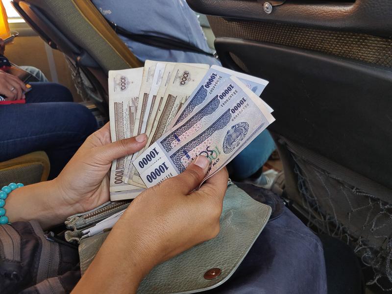 Valuta uzbeka per il nostro Uzbekistan Tour