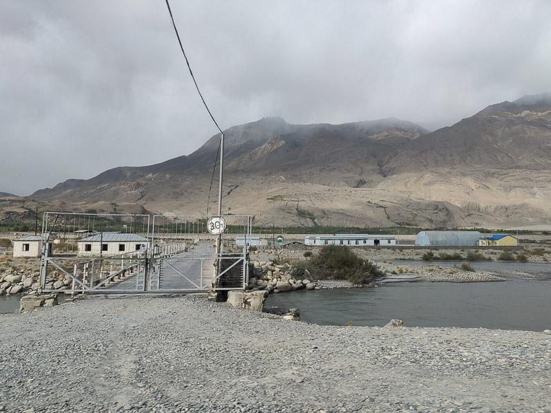 Il ponte di Iskashim è il confine più permeabile tra Afghanistan e Tagikistan