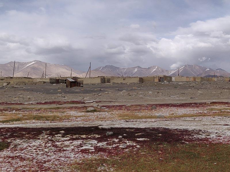 Altopiano del Pamir: non sempre il bianco è neve. A Karakul è sale