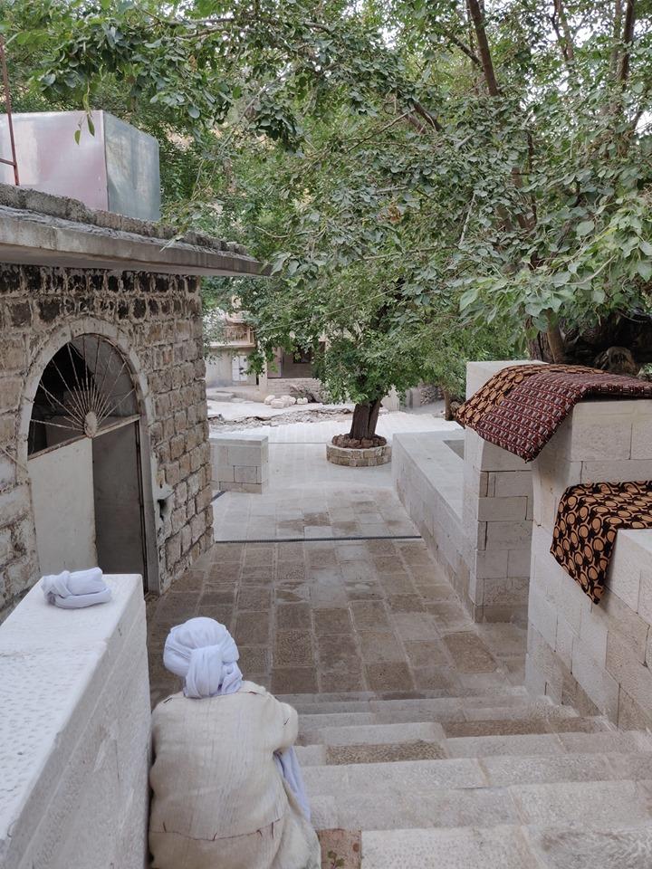 All'interno della città santa di Lalish
