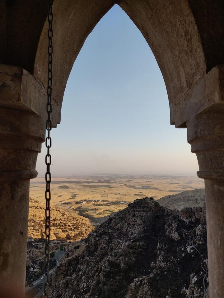 Monastero di Rabban Hormizd ad Alqosh e vista sulla piana di Ninive
