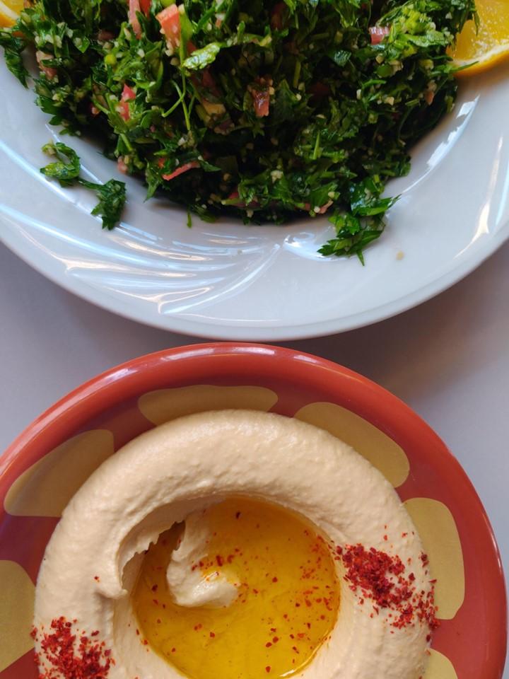 Gaziantep è la capitale della gastronomia della Turchia, ma si trovano cucine di tutto il medioriente. Qui Hummus e Tabulè
